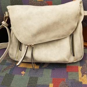 Medium size purse (gray)